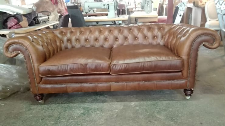 Chesterfield: classic  by Furniture manufacturing, Classic