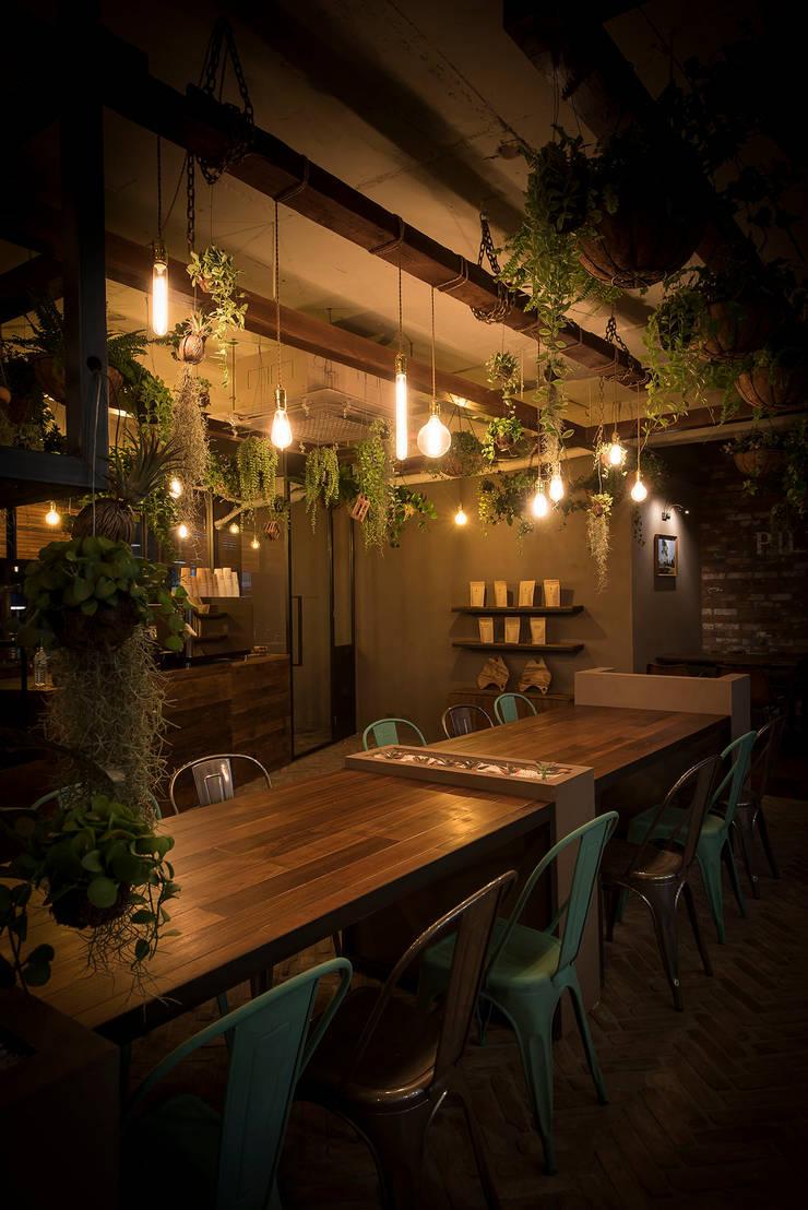 ㅤㅤ: 므나 디자인 스튜디오의  바 & 카페,클래식
