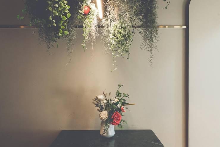 Коммерческие помещения в . Автор – 므나 디자인 스튜디오, Классический