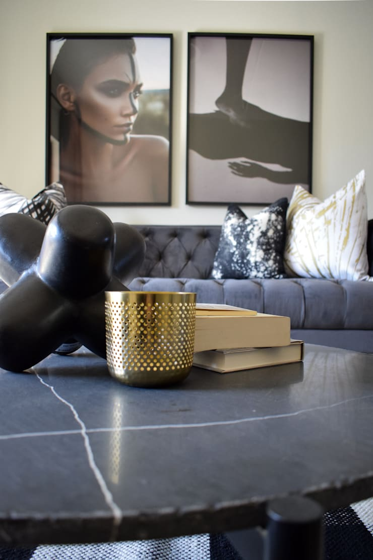 Staged Show Unit South African :  Living room by Design Air,