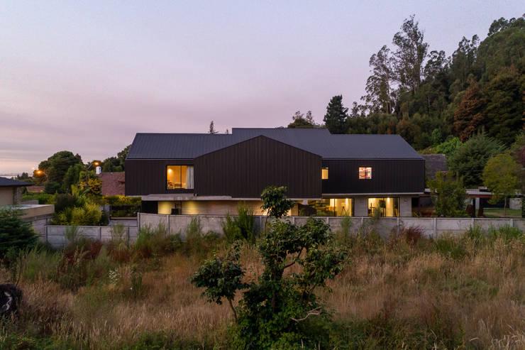 Casa Villuco: Casas de estilo  por Dx Arquitectos, Rústico