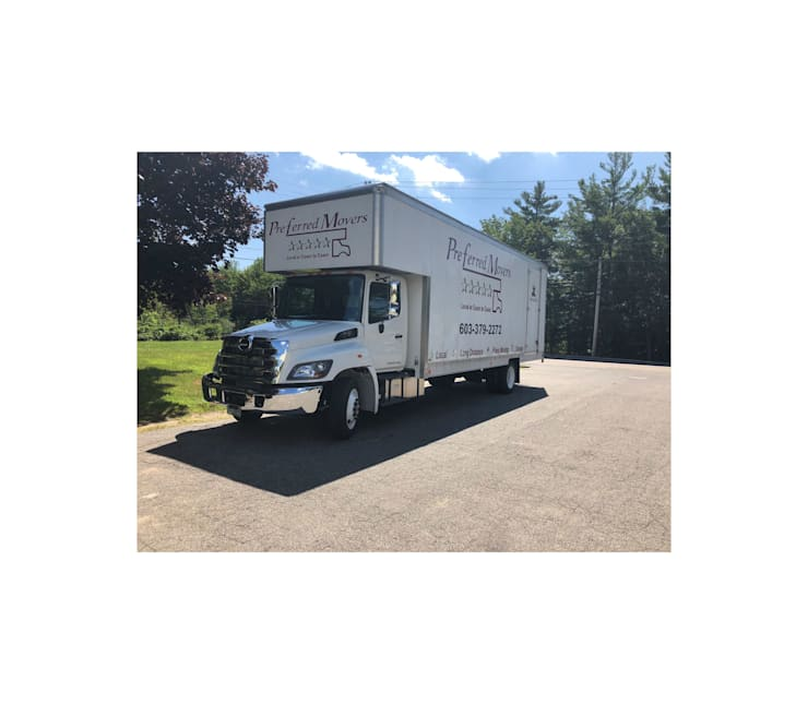 Preferred Movers NH:  Bathroom by Preferred Movers NH,