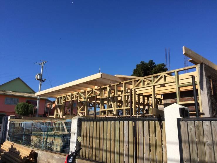 Tabiqueria + Losa Piso 02: Casas de estilo  por Loberia Arquitectura,