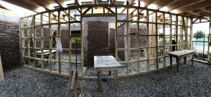 Tabiqueria + Muro Interior: Casas de estilo  por Loberia Arquitectura,