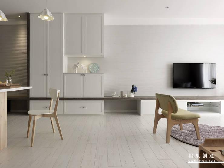 橙果創意國際設計:  客廳 by 橙果創意國際設計, 北歐風