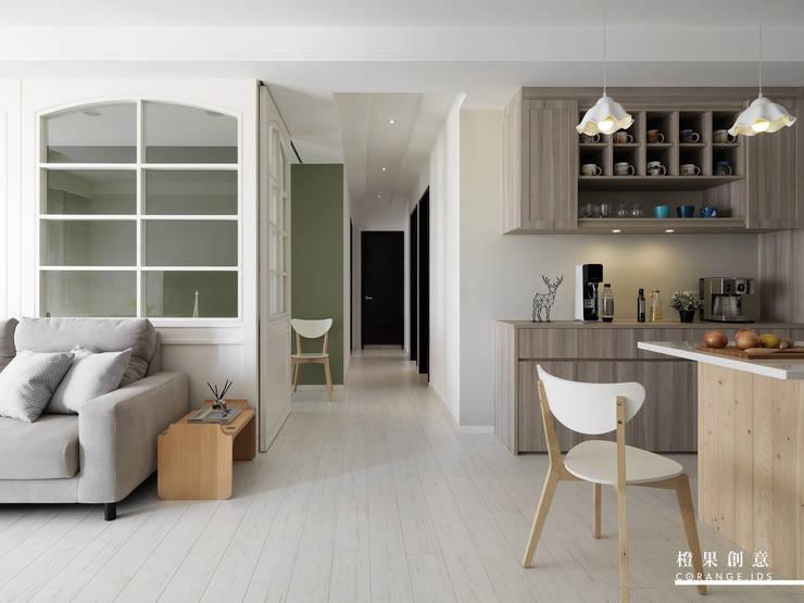 橙果創意國際設計:  客廳 by 橙果創意國際設計, 鄉村風