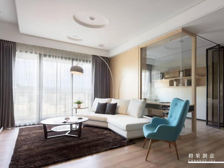 橙果創意國際設計:  客廳 by 橙果創意國際設計, 現代風