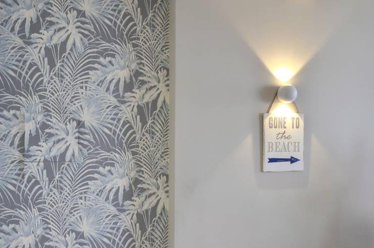 Corridor & hallway by Studio ARCH+D, Mediterranean