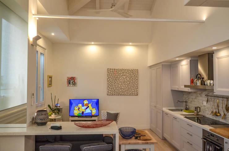 Living room by Studio ARCH+D, Mediterranean