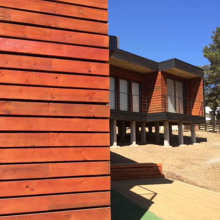 Casa Lobos: Casas de estilo  por Loberia Arquitectura, Mediterráneo
