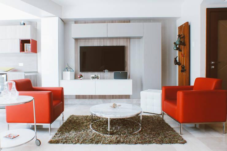 CASA ANACLERIO: Salas multimedia de estilo  por CLAUDIA CAROLINA GONZALEZ C, Moderno