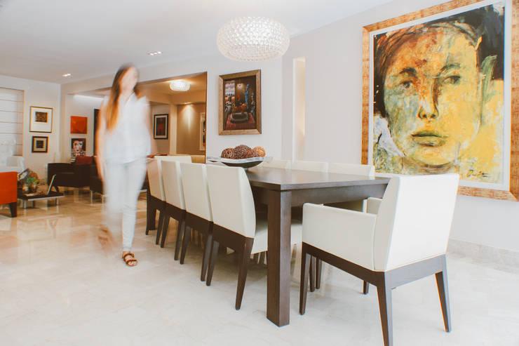 CASA ANACLERIO: Comedores de estilo  por CLAUDIA CAROLINA GONZALEZ C, Moderno