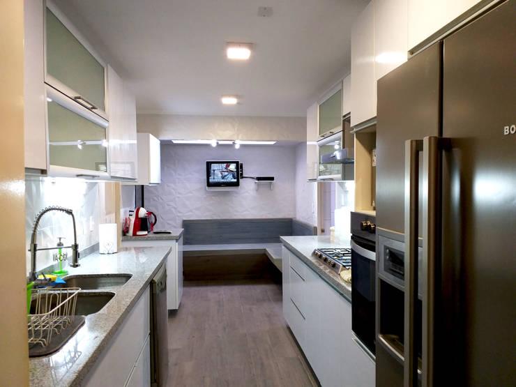 COCINA AGUILERA: Cocinas equipadas de estilo  por AOG, Minimalista Granito
