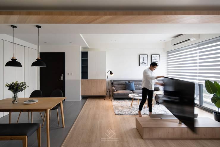 旋轉式電視架:  客廳 by 極簡室內設計 Simple Design Studio, 北歐風