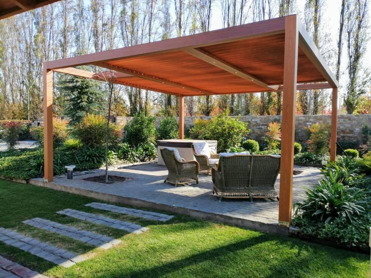Terrasse de style  par Comercial Dominguez, Moderne Aluminium/Zinc
