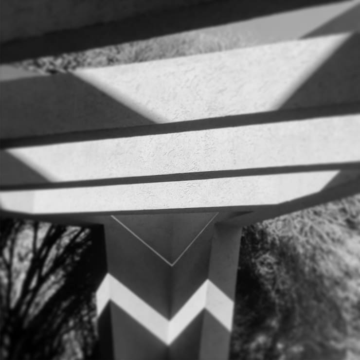 190: Cocheras abiertas de estilo  por Maximiliano Lago Arquitectura - Estudio Azteca,Moderno