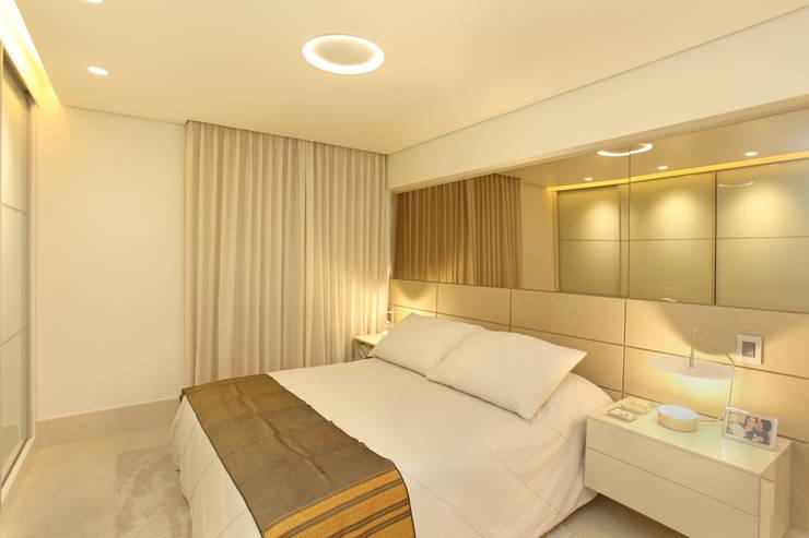 Bedroom by Célia Orlandi por Ato em Arte, Modern