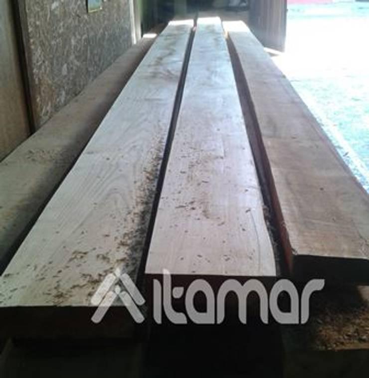 by itamar ltda Classic Wood Wood effect