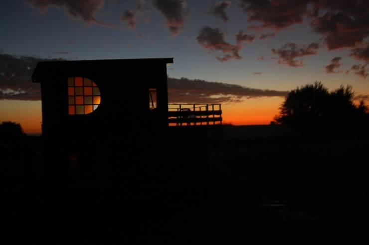 Cabaña/Taller Repalet / Horcon Chile: Casas de estilo  por crog, Rústico Madera Acabado en madera