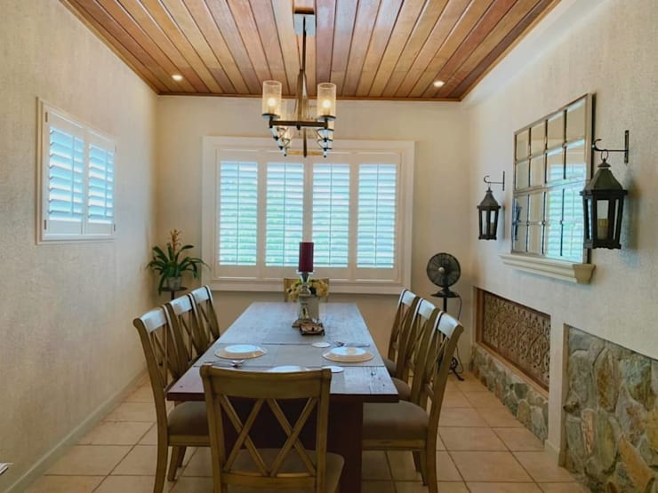 uPVC Plantation Window Shutters on Dining Room:  Dining room by LouverWise Inc, Country