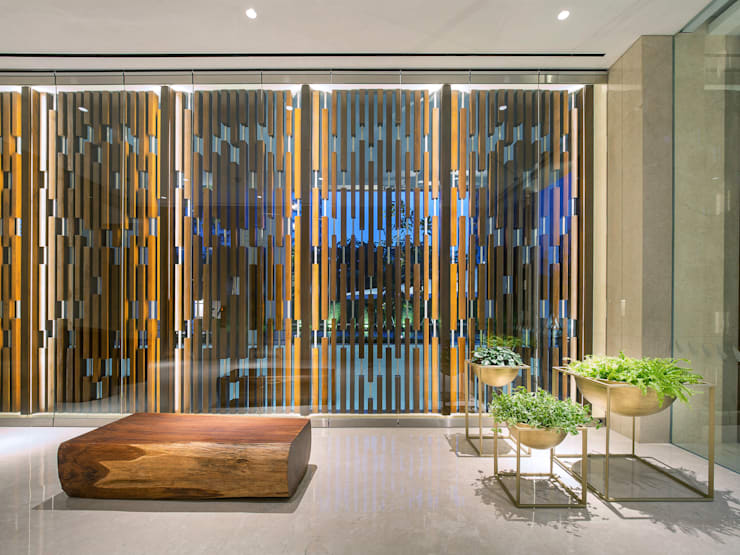 Moderne Hotels von INSADA DESIGN TEAM Modern