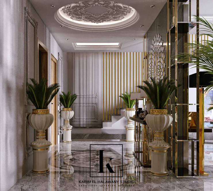 Corredores e halls de entrada  por Karim Elhalawany Studio, Clássico