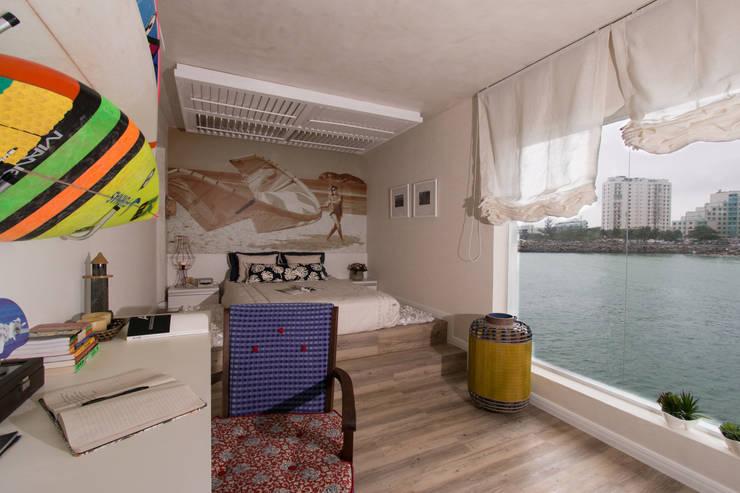 Quarto com vista mar: Quartos  por KELLY ALMEIDA,Mediterrâneo