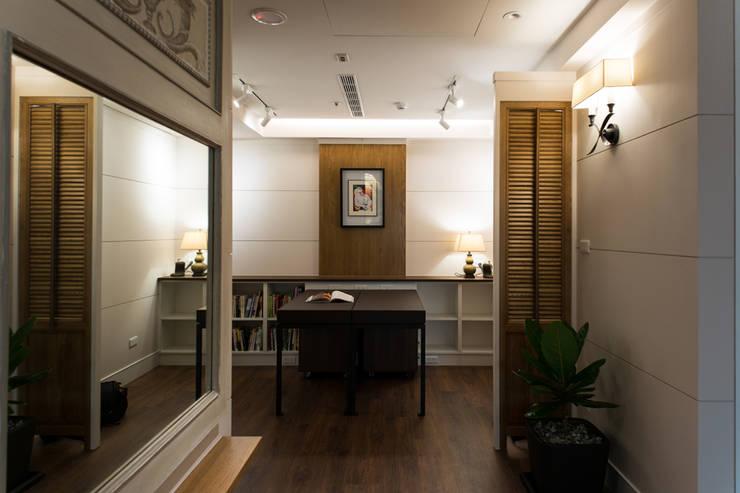 日光綠景:  書房/辦公室 by 松泰室內裝修設計工程有限公司, 簡約風 實木 Multicolored