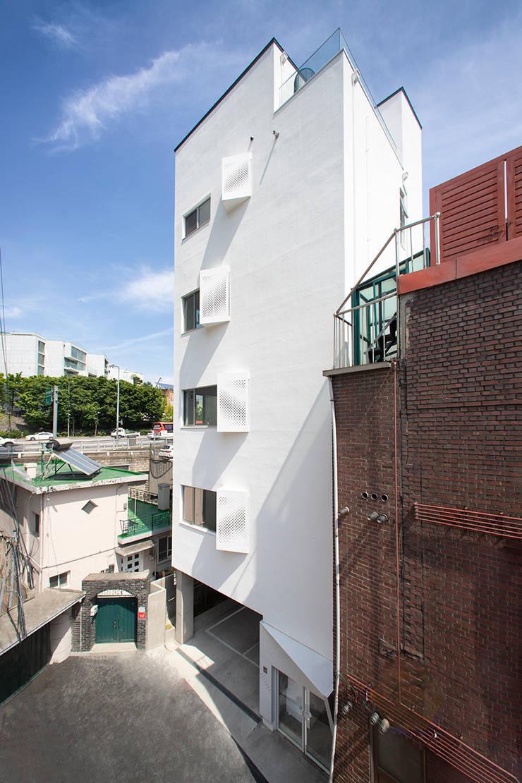 한남 EUM 155.3 : 더 프로젝트 (The Project)의  다가구 주택,모던