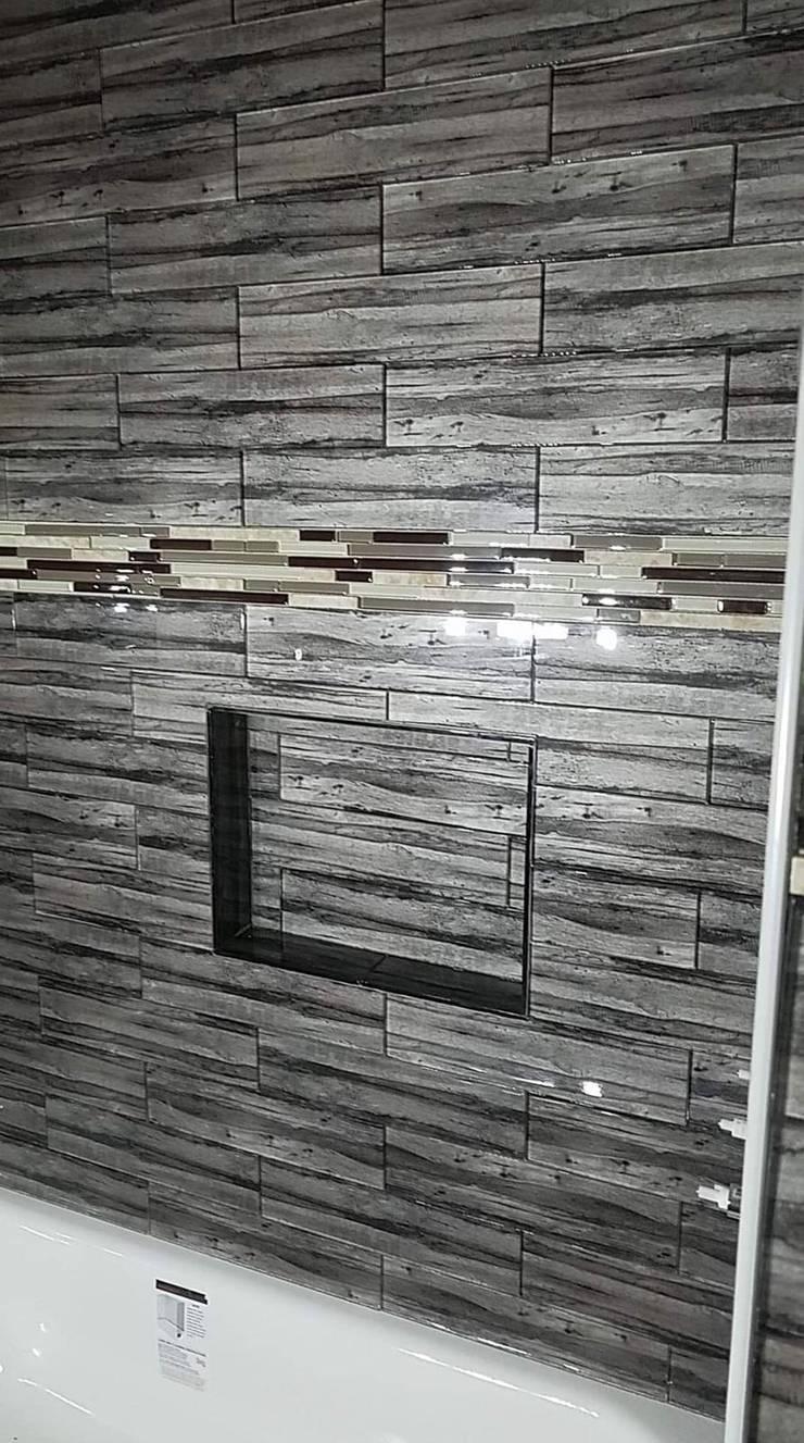 Baños: Baños de estilo  por Constructora Arcus Limitada, Moderno