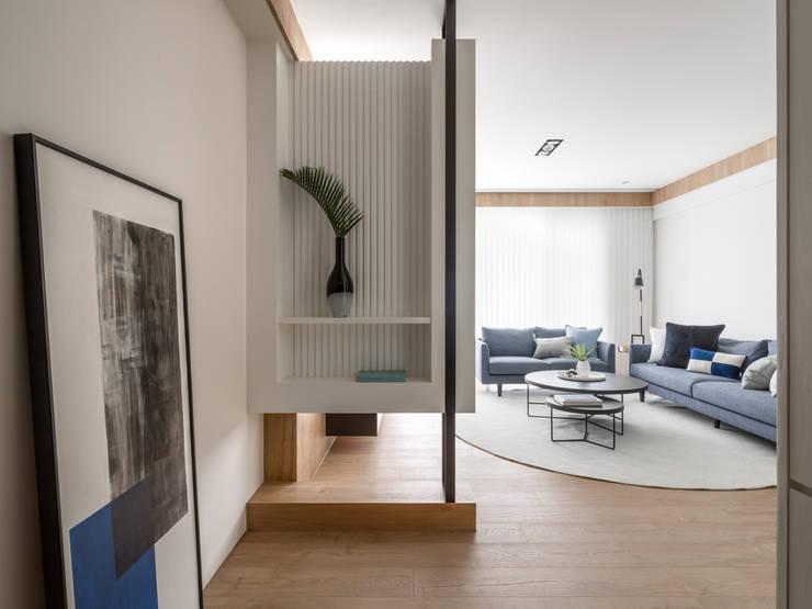 玄關:  走廊 & 玄關 by 存果空間設計有限公司, 現代風