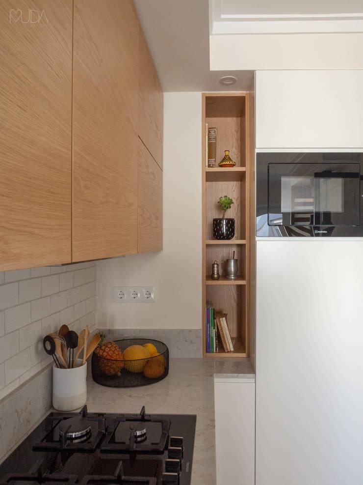 Cozinha   Depois: Cozinhas  por MUDA Home Design,Escandinavo