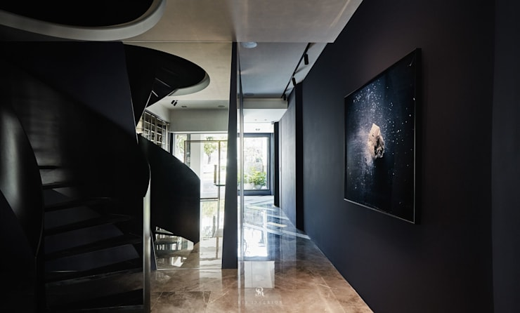 Best 10:  樓梯 by 理絲室內設計, 現代風