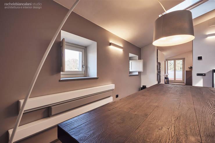 Salle à manger minimaliste par Rachele Biancalani Studio Minimaliste