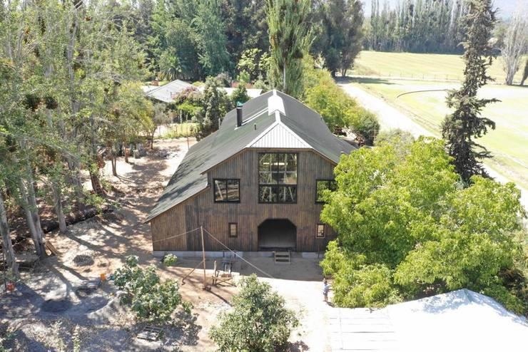Casa Galpón en Construcción / Marzo 2019: Casas de madera de estilo  por Jose Fontecilla Figueroa, Rural Madera Acabado en madera