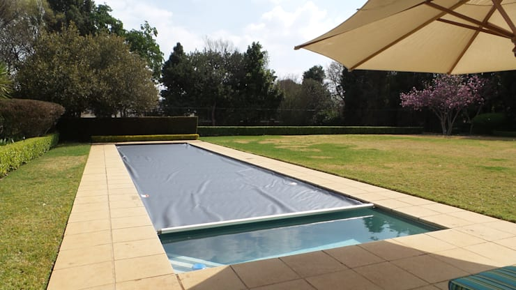 Automatic Pool Cover:  Garden Pool by Pool Cover Pro, Modern