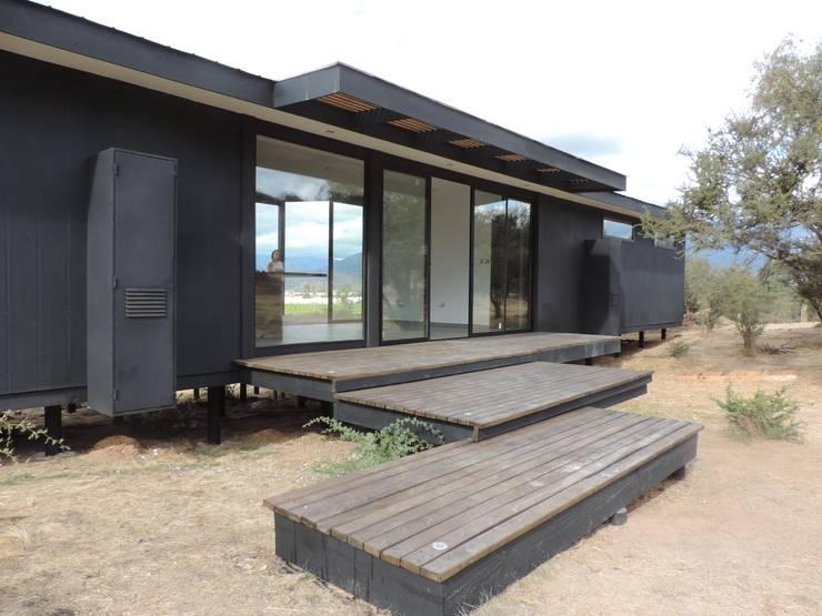 Casas Bioclimáticas Modulares: Casas de estilo  por EL TOKE LTDA., Mediterráneo