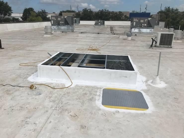 Adding 12.5 Ton Trane Rooftop Unit – Carrollton, TX: modern  by Central Mechanical HVAC Services, Modern