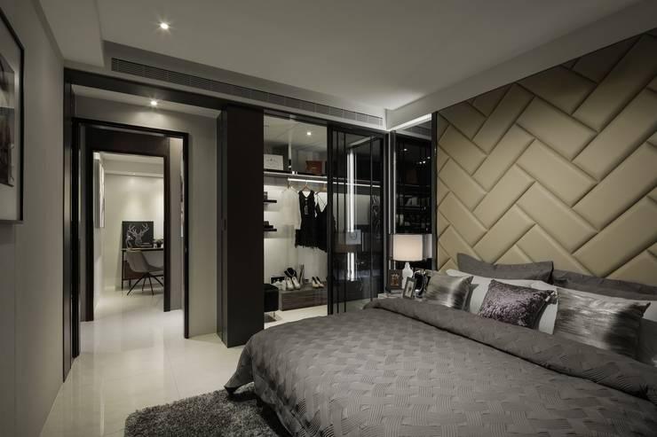 堅山-仰翠:  臥室 by 雅群空間設計, 現代風