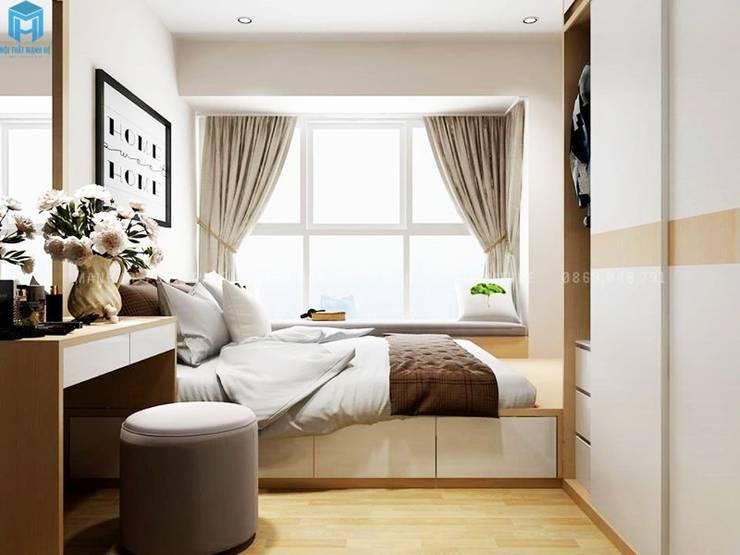 Thiết kế nội thất căn hộ cao cấp ECO GREEN SAI GON – 97m2 – 3 phòng ngủ:  Phòng ngủ by Công ty TNHH Nội Thất Mạnh Hệ, Mộc mạc Gỗ Wood effect