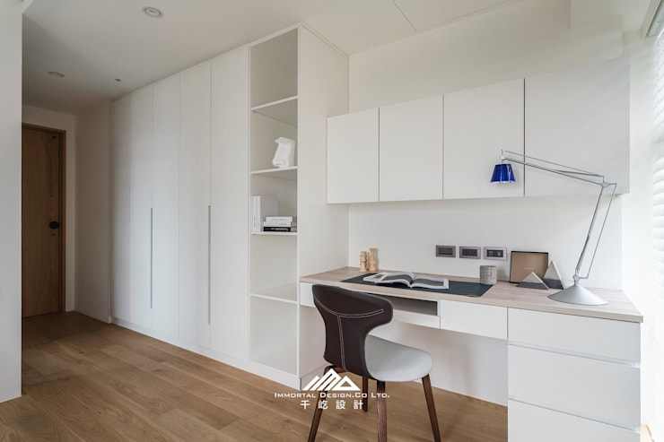 ISQ X 千屹設計最新合作案例-台北市內湖區:  臥室 by ISQ 質の木系統家具, 簡約風