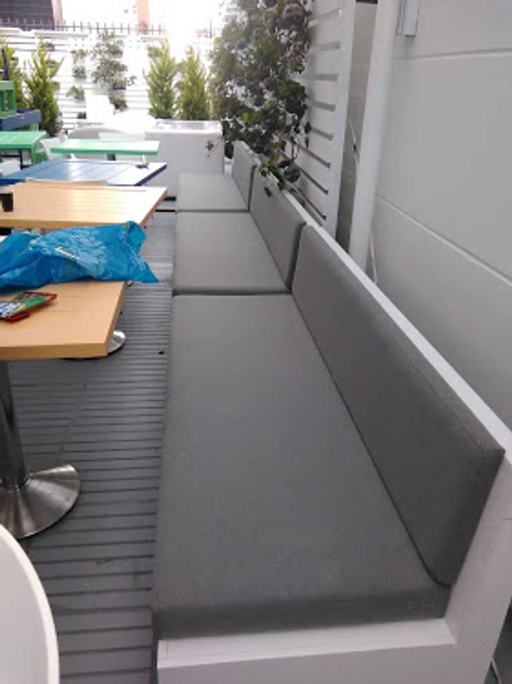 Sofás terraza y área de comedor:  de estilo  por CMS Mobiliario, Ecléctico Textil Ámbar/Dorado