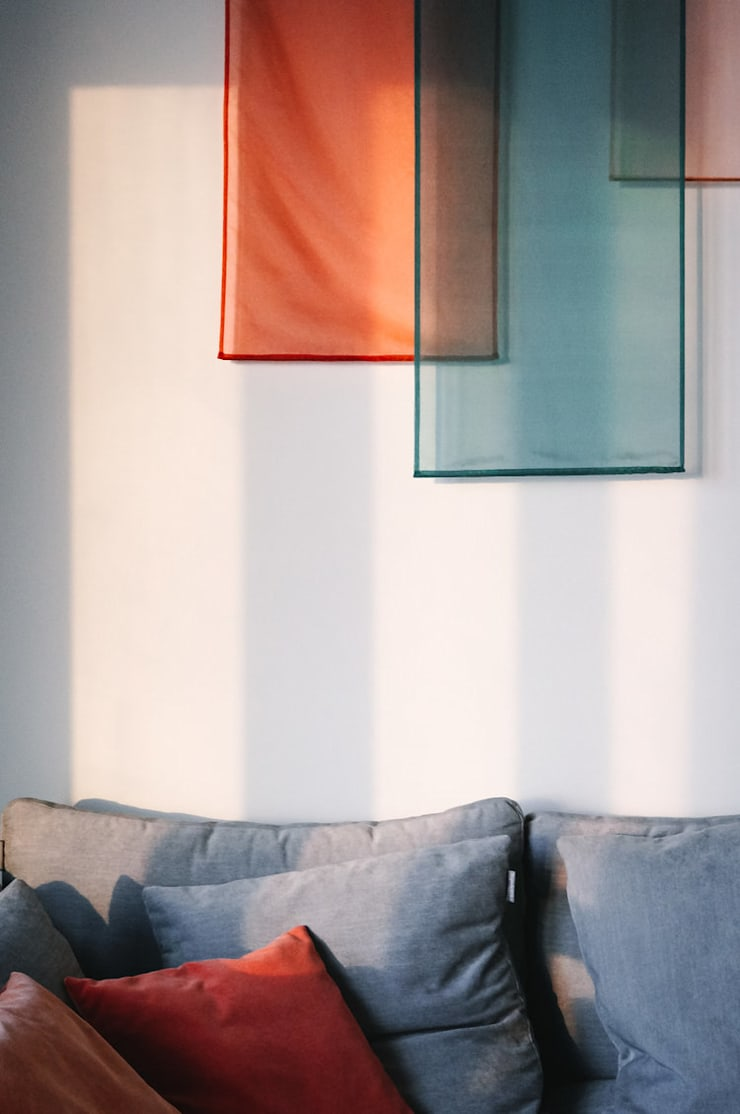 Fabric Panel Art Installation:  Living room by S.Lo Limited, Modern