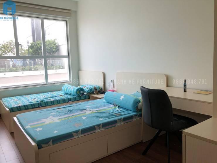 Giường đôi cho bé:  Phòng ngủ nhỏ by Công ty TNHH Nội Thất Mạnh Hệ, Hiện đại Gạch