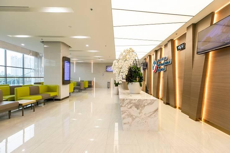 Trần xuyên sáng khu vực tiếp tân :  Bệnh viện by TRẦN XUYÊN SÁNG VẠN HOA, Hiện đại