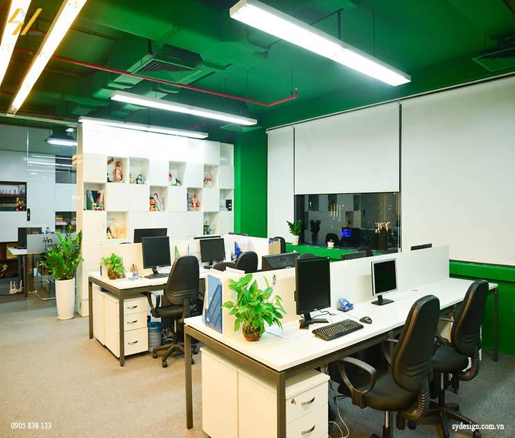 Phòng cho nhân viên:  Phòng học/Văn phòng by SY DESIGN, Hiện đại