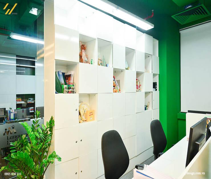 Tủ làm việc:  Tường by SY DESIGN, Hiện đại