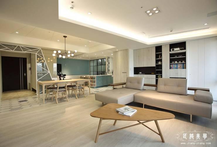北歐混合美式    整體風格主軸-客廳:  客廳 by 匠將室內裝修設計股份有限公司, 北歐風
