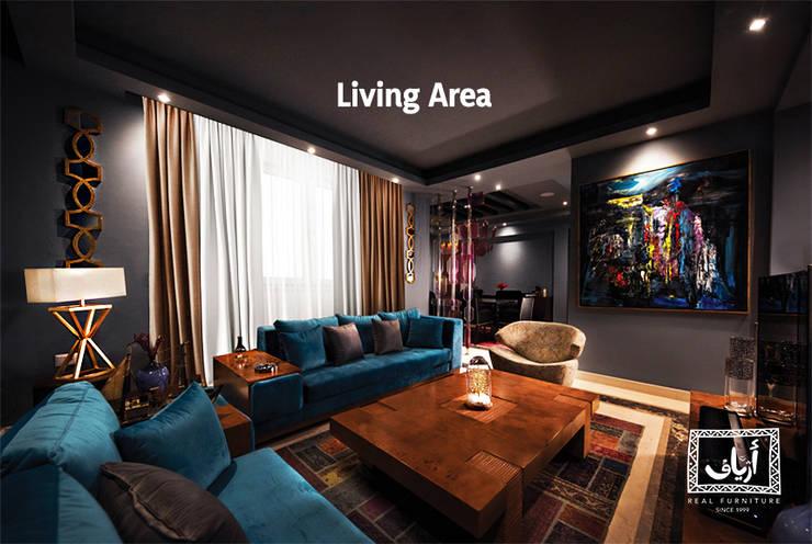 Villa In MiViDa:  غرفة المعيشة تنفيذ  Ariaf Authentic Design House, صناعي