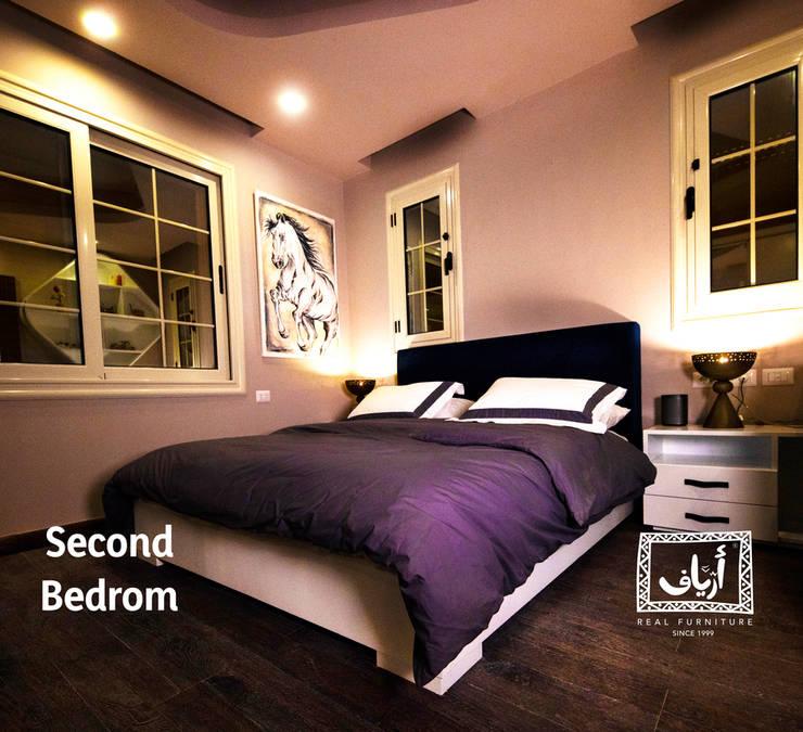 Villa In MiViDa:  غرف نوم صغيرة تنفيذ  Ariaf Authentic Design House, تبسيطي